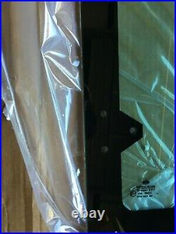 Case 580K 580SK 580L 580SL BACKHOE Right Door Rear Hinged Window Glass R52882